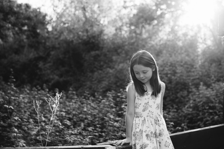 Fotografía de niños en el campo: Hermanas.